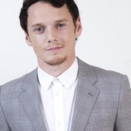 Antón Yelchín. El patinador que quiso ser actor