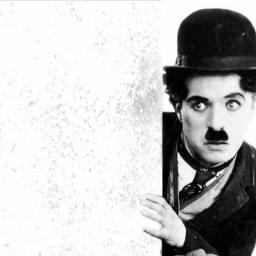 Chaplin, Keaton y una patada